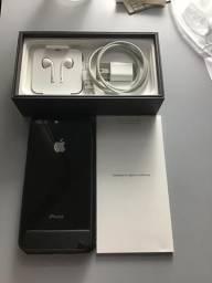 IPhone 8 Plus - 64gb com todos acessórios