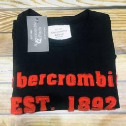 Camiseta Preta com Vermelho Abercrombie