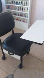 Cadeira cirandinha de manicure