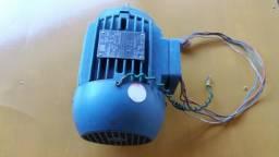 Motor elétrico trifásico alta rotacão
