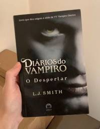 Livro Diários do Vampiro O Despertar
