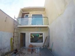 Lindo sobrado à venda com 3 quartos(sendo 1 suíte), localizado no bairro novo A, no Sitio