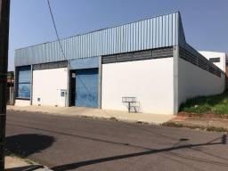 Aluga-se Barracão no bairro Jd. Carandá próximo ao Colégio Cooperativo