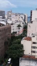 Apartamento com 1 dormitório para alugar, 30 m² por R$ 900,00/mês - Catete - Rio de Janeir