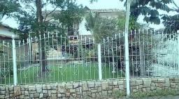 Venda em Piúma !! 01 casa duplex + dois terrenos no centro da cidade
