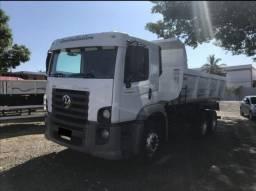 Caminhão caçamba vw