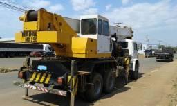 Guindaste 25 ton
