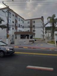 Apartamento em Coqueiros com 2 dormitórios