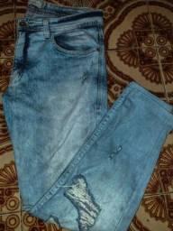 Calça jeans slim destroyed no tamanho 42