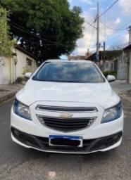 Carro Ônix 2015