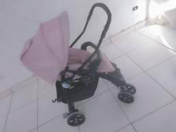 Carinho de bebê menina