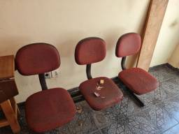 Título do anúncio: Vendo cadeira e longarina