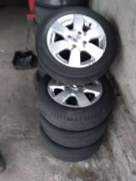 Jogo de rodas aro 15 com pneu meia vida