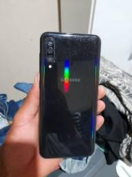 Vende se Samsung a30s com display quebrado,somente o display,trocando fica zerado