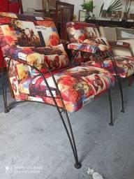 Duas poltronas ferro batido revestimento tecido design Ivan Cruz