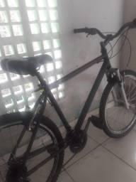 Bicicleta aro26 400,00