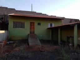 Edícula com 1 dormitório para alugar por r$ 650/mês - parque leblon - londrina/pr