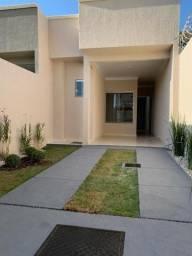 Casa nova, acabamento top, 2 quartos com suite e área gourmet