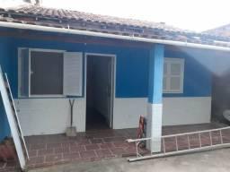 *Alugo casa na Itaúna, de frente a praia 'point do surf'