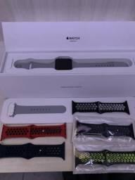 Apple Watch Series 3 GPS 42mm em até 12x sem juros