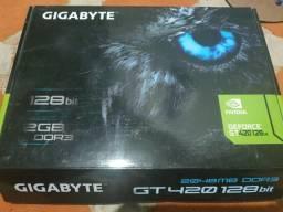 Placa de vídeo Gigabyte Geforce GT420