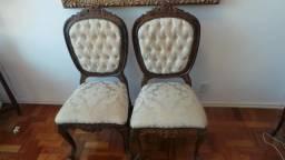 4 cadeiras antigas em madeira nobre anos 60 todas entalhadas com flores belíssimas peças!!