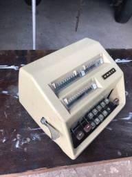 Calculadora mecânica facit rara a negociar