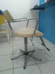 Espelho e cadeira para barbearia