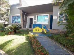 Casa com 4 Quartos à Venda, 326 m² por R$ 950.000