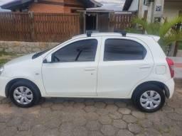Toyota Etios HB X 1.3 ano 2014