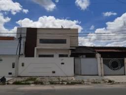 Excelente casa de 4/4, sendo uma com suite no bairro João Paulo