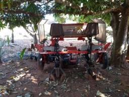 Plantadeira de rama de mandioca 2 linhas