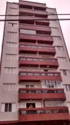 Aluga-se apartamentos de um e dois dormitórios a uma quadra da praia