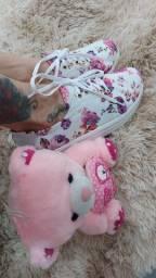 Tênis rasteiras e sandálias
