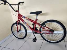 Uma linda bike semi nova