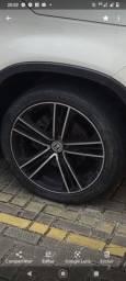 Roda aro 20 semi nova sem amasado e solda pneu quebra galho