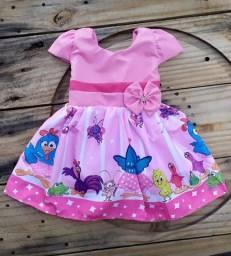 Vestido infantil temático Galinha Pintadinha