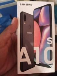 Título do anúncio: Samsung As10 na caixa apenas dois meses de uso acompanha nota