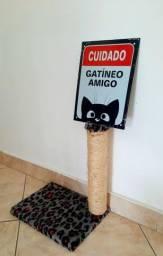Arranhador de gato + placa decorativa
