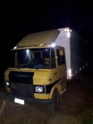 Caminhão 608 ano 84