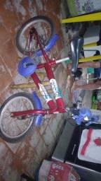 Título do anúncio: Bicicleta infantil semi nova