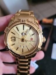 Título do anúncio: Relógio Naviforce Dourado
