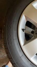 Título do anúncio: Rodas civic com pneus