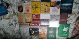 Coleção de diversos livros. Passo Cartão!