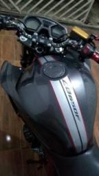 Moto  CB 650f toda Revisada R$ 32.000 ( pra sair hoje )