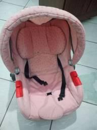 Bebê conforto, super útil.