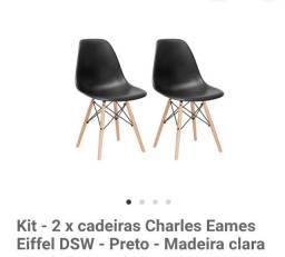 2 Cadeiras pretas - Eames (pés palitos)