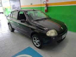 Título do anúncio: Clio 2002 sedan 1.0 com ar condicionado