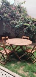 Título do anúncio: Jogo de mesa com 4 cadeiras em madeira