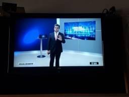 """Título do anúncio: Tv monitor aoc 32""""polegadas + coversor-não é smart"""